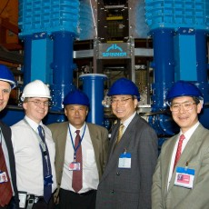 L to R : Frank Briscoe (JET Operations Director), Robert Pearce (Head of Vacuum Systems & Machine Operations Group), Jérôme Paméla (EFDA Leader), Kaname Ikeda (ITER Director General), Shunsuke Ide (Assistant to the ITER DG).