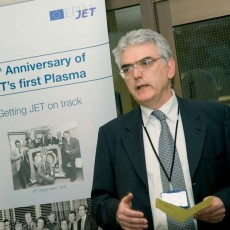 EFDA Associate Leader for JET, Francesco Romanelli, welcomes the guests at the celebration of the 25th Anniversary of JET's first plasma.