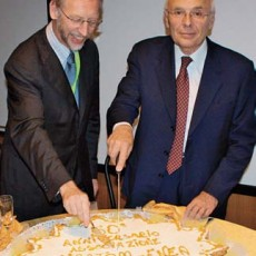 Y. Capouet and G. Lelli cutting the anniversary cake (Photo: ENEA)