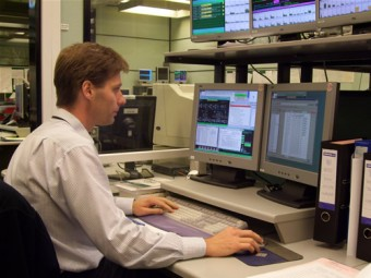 picture of CODAS administrator in the JET control room