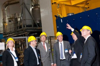 picture of representatives of Siemens AG visiting JET
