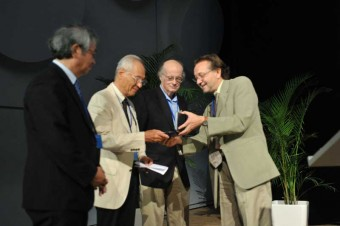 picture of awarding the Hannes Alfvén Prize 201
