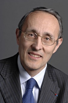 picture of Dr Bernard Bigot