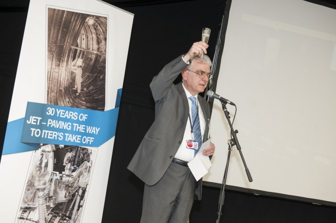 EFDA Leader Francesco Romanelli toasted the assembled crowd of current and ex-JET staff.