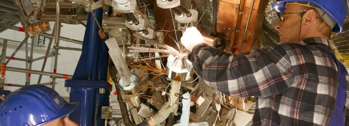 Installation of superconducting coils