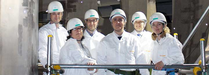 (from left to right)  Darren McDonald (EUROfusion), Elena de la Luna (CIEMAT), Jeronimo Garcia (CEA), Gerardo Giruzzi (CEA and Workpackage Leader), Mathias Dibon (MPG), and Valerie Lamaison who is from CEA but currently based at Naka and working on the cryo-system. Picture: QST