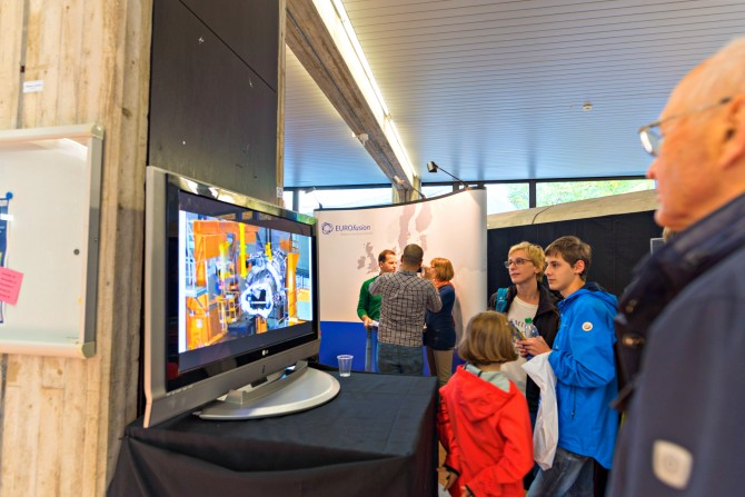 """During the """"Garching Open Doors"""" EUROfusion has for the first time introduced itself to a large and highly interested audience. The booth was located in the Physics Department of the Munich Technical University at the campus in Garching. Picture: EUROfusion"""