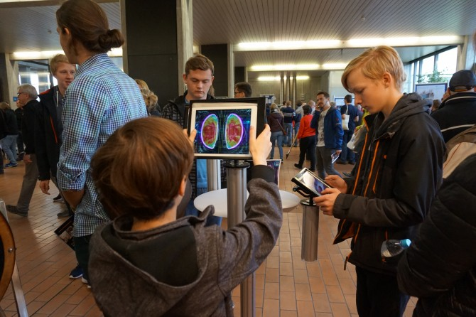 "Want to give it a go? Try out EUROfusion's ""Operation Tokamak"" game. It lets you operate fusion plasma using strong magnetic fields. But be careful, the fusion fuel can become too hot and destroy the machine. The game is available for Android and IOS and can be downloaded here: www.euro-fusion.org/operation-tokamak . Picture: EUROfusion"