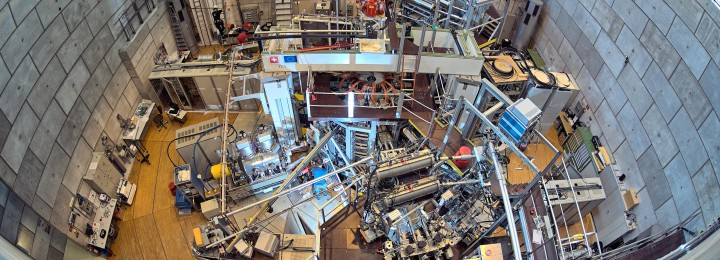 The Swiss Tokamak à configuration variable (TCV) from above. So, watch this space! n Picture: Christophe Roux/EUROfusion
