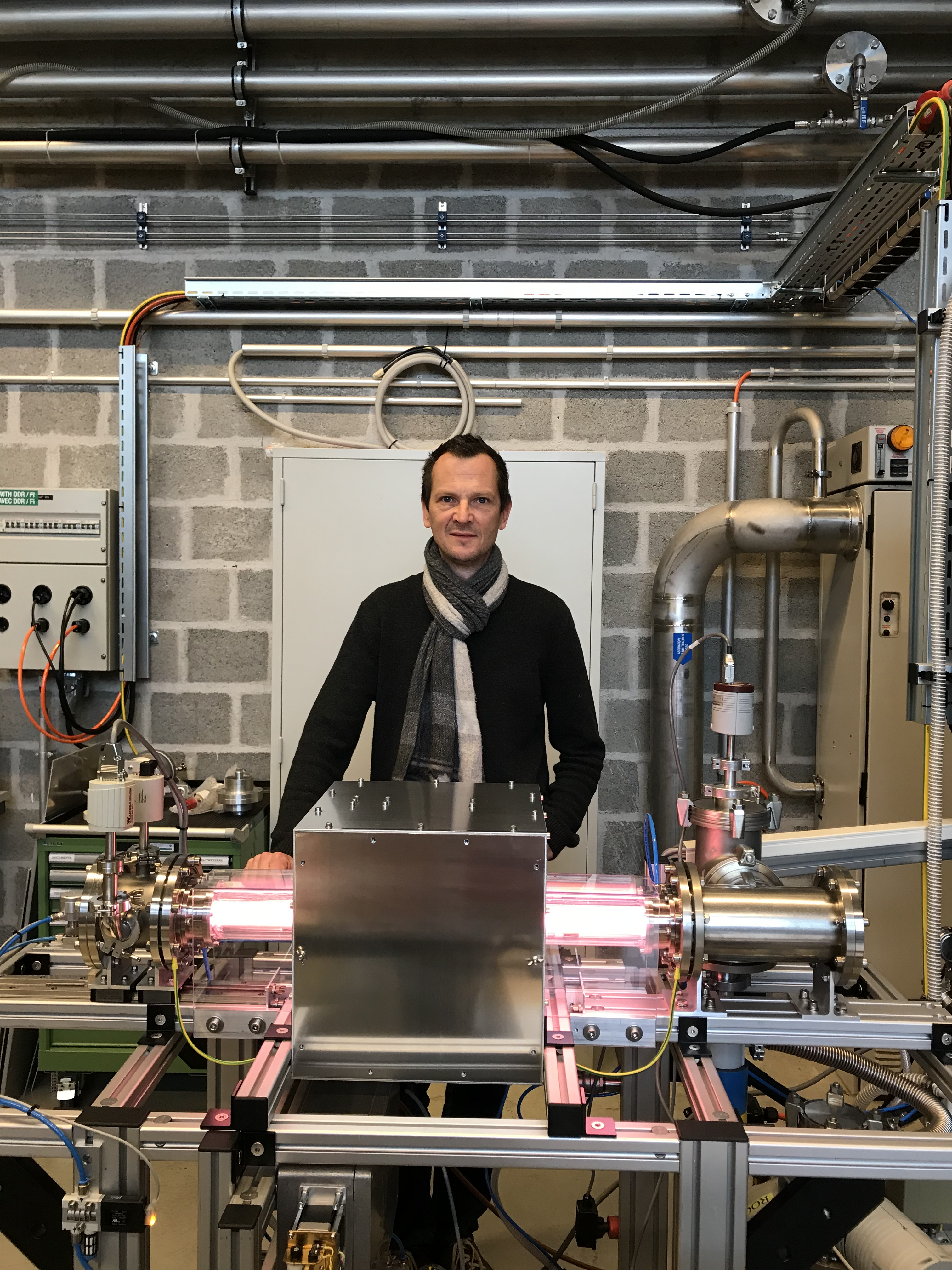 plasma antenna thesis Doctoral thesis modelling of plasma-antenna coupling and non-linear radio frequency wave-plasma-wall interactions in the magnetized plasma device under ion cyclotron range of frequencies.